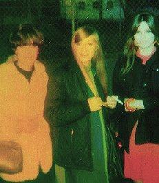 Shangri-Las smoke break